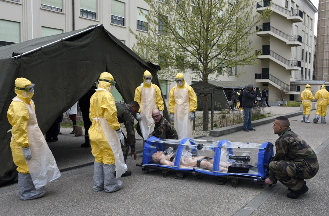 Exercice autour du risque Ebola © Eric Le Roux